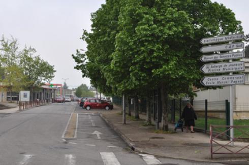 Cool poitiers par quartiers with auchan sud poitiers for Poitiers auchan sud
